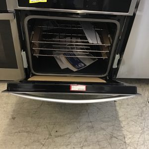 Whirlpool 4.3 cu. ft. Smart Single Wall Oven with True Convection Cooking WOS72EC7HS